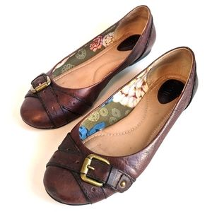 Fossil Ballet Flats with Bronze Buckle: 7.5